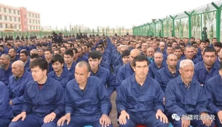 uiguri-Xinjiang-cina-detenuti-campo